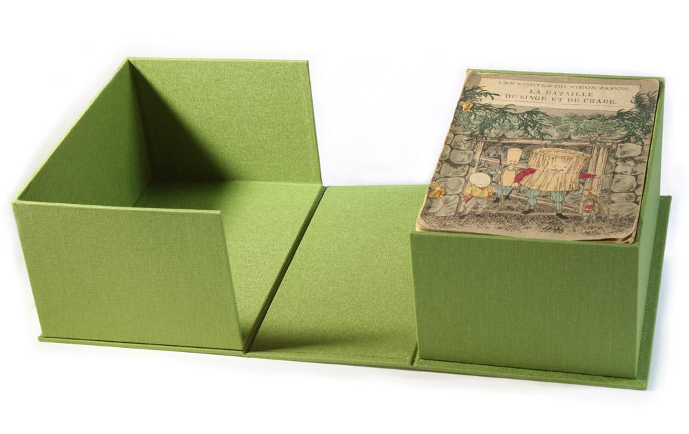 Boîte en toile pour une série de reliures japonaises anciennes