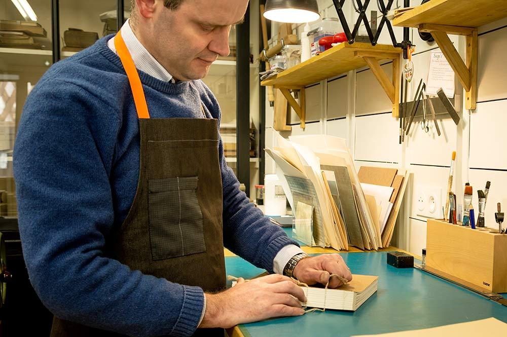 Vincent Collet relieur restaurateur de livre Paris Blois 41